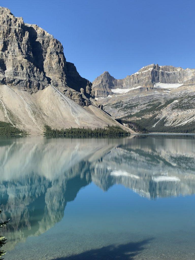 Lac Bow et le Glacier Bow, sur la route des Glaciers (Icefield Parkway) Parc National de Banff en Alberta
