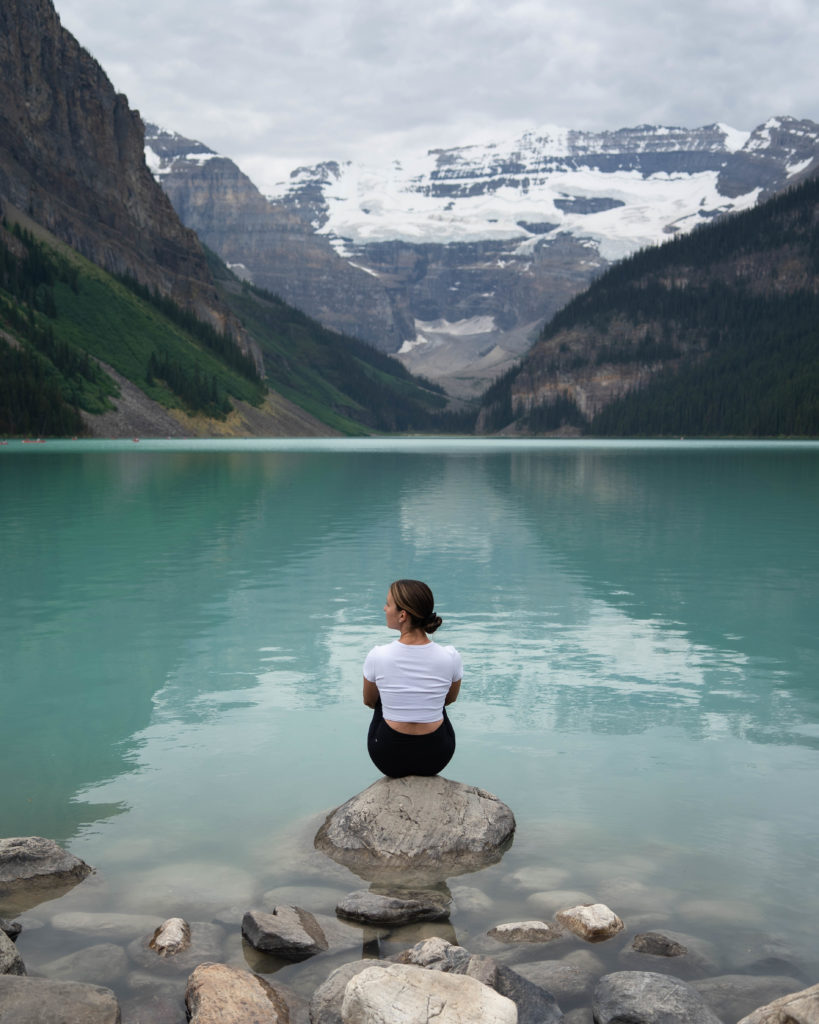 Lac Louise, le plus beau lac au Canada. Lac bleu à Banff National Park