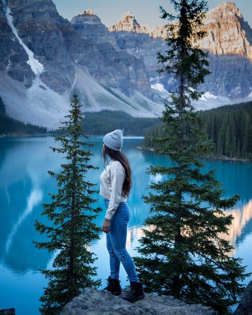 lac-moraine-banff-parc-national-alberta-canada-rocheuses