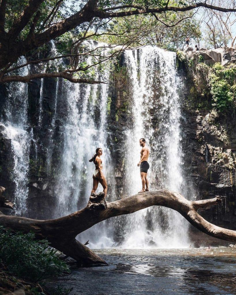 cataratas-llanos-de-cortes-cascades-costa-rica