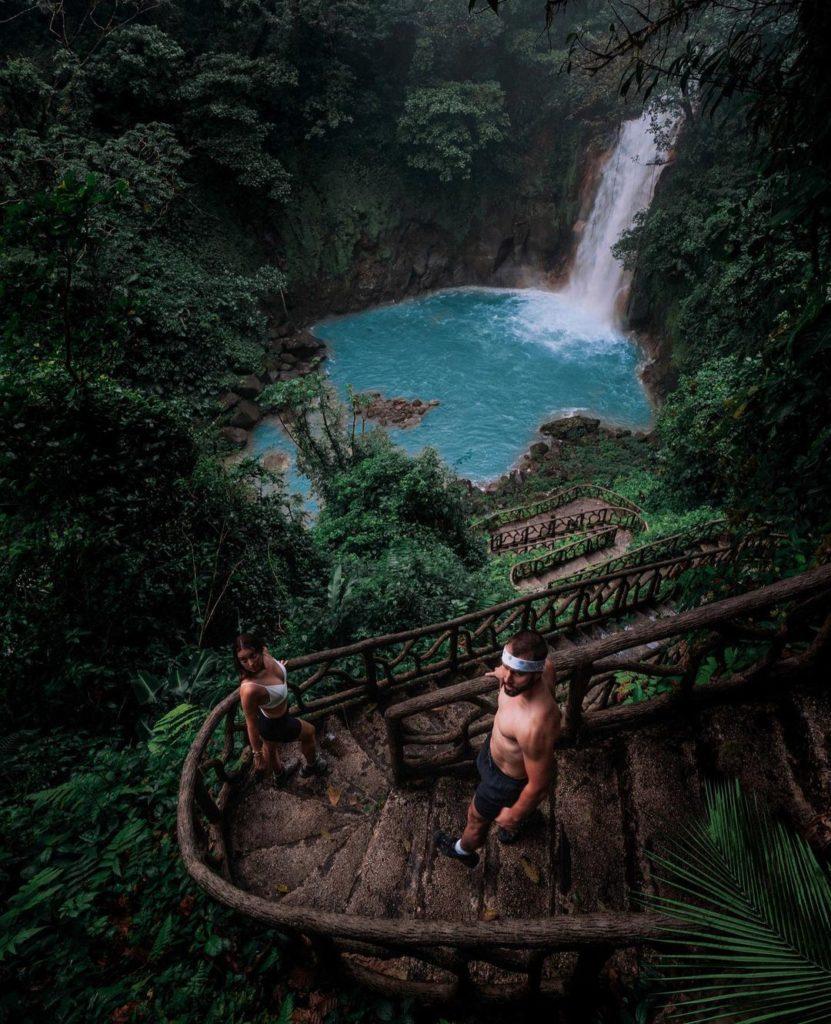 chute-rio-celeste-costa-rica