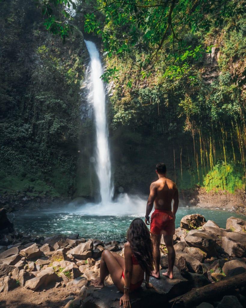 la-fortuna-chute-catarata-rio-fortuna-costa-rica