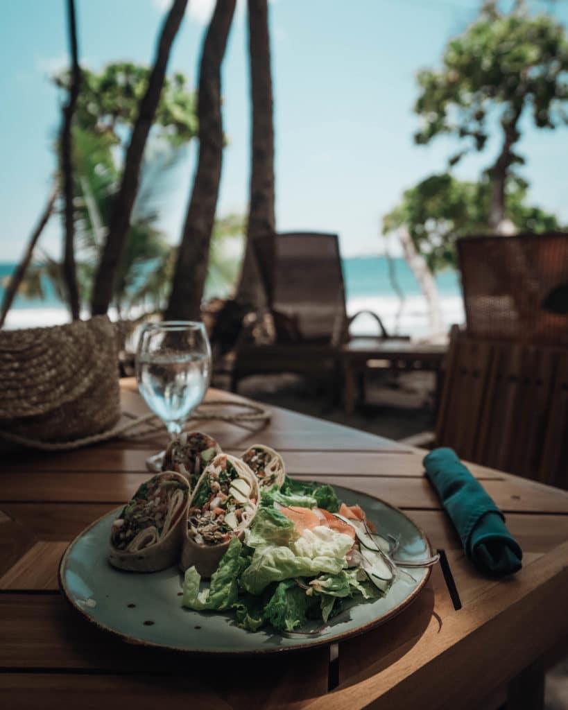 Arenas-del-Mar-hotel-service-excellent-Playitas-Beachfront-Costa-Rica